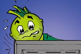 Jolinchen erschreckt sich vor dem Computer