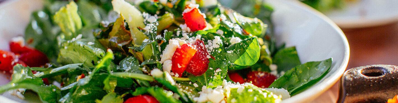 Es muss nicht immer das klassische Salat-Rezept sein, es geht auch abwechslungsreicher.