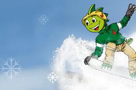 Jolinchen auf einem Snowboard im Schnee