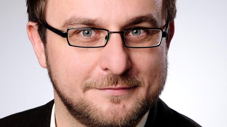 Dr. Adam Geremek, Oberarzt der Kinder- und Jugendpsychosomatik am Helios Klinikum Schleswig und Inhaber des Psychosomatikums Kiel