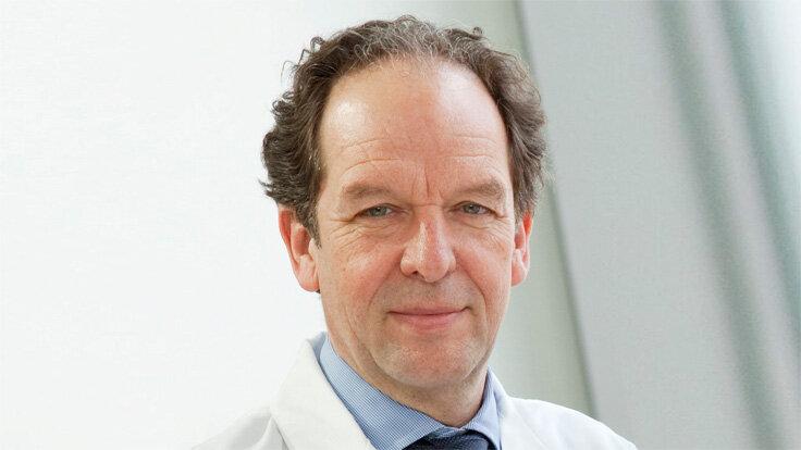 Porträt von Professor Dr. Klaus-Michael Debatin, Ärztlicher Direktor der Universitätsklinik für Kinder- und Jugendmedizin Ulm