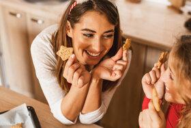 Low-Carb-Plätzchen haben weniger Zucker und Kohlenhydrate bei vollem Geschmack.