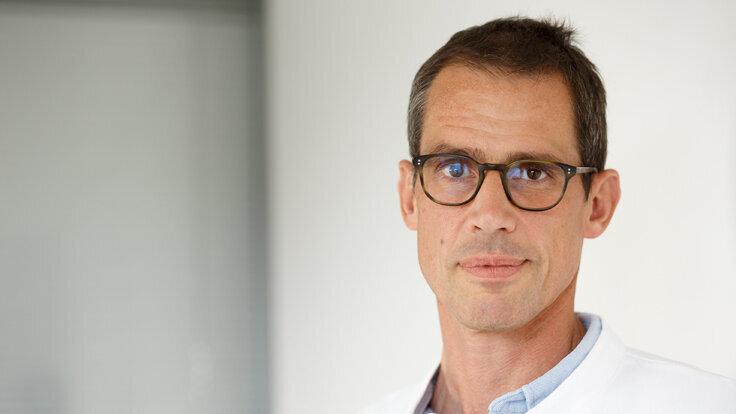 Prof. Dr. Dirk Jäger, Direktor der Medizinischen Onkologie am Universitätsklinikum Heidelberg (UKHD) und Geschäftsführender Direktor des Nationalen Centrums für Tumorerkrankungen (NCT) Heidelberg