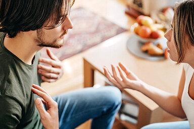 Beziehungsstreit kann ein Grund für Fremdgehen sein