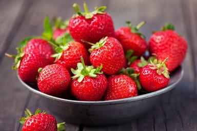 Eine Schale voll frischer Erdbeeren
