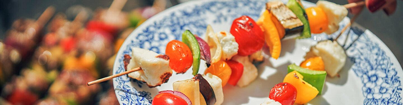 Fleischlos glücklich - statt klassische Fleischspieße schmecken auch Gemüsespieße sehr lecker.