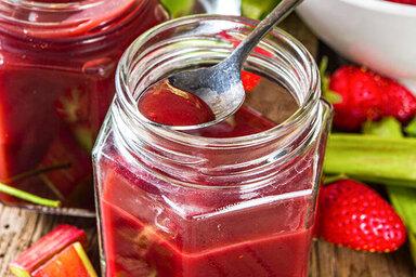 Gesunde Rhabarber-Rezepte für den Frühling: Kompott, Crumble und Salat