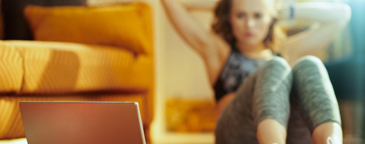 Dank Online-Coach ist ein Workout in den eigenen vier Wänden möglich.