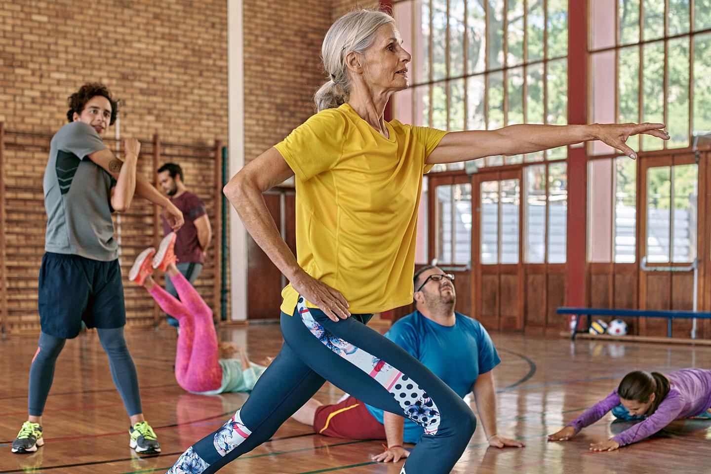 Ältere Menschen treiben trotz Herzinsuffizienz Sport.